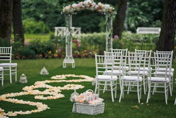Genialne Dekoracje Na ślub W Plenerze